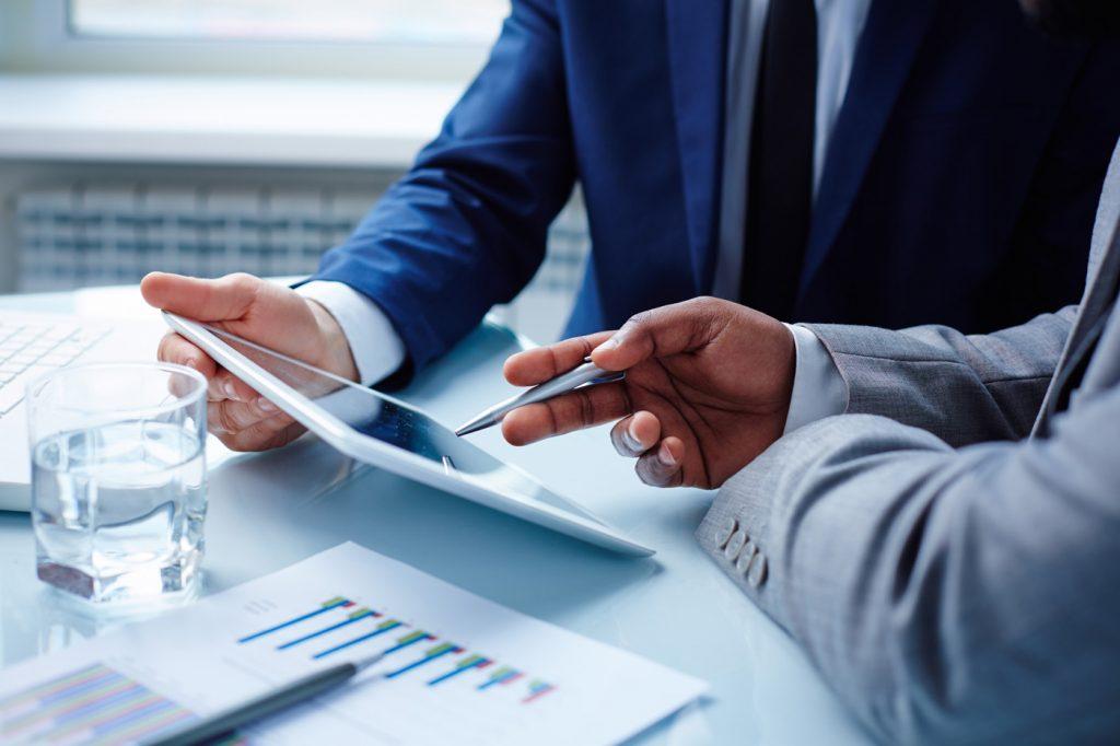 活躍するビジネスパーソンの営業の売れる5つのコツ