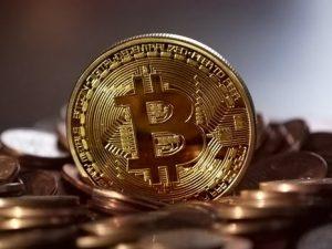 """""""仮想通貨""""への投資はするべきなのか?にビジネスセンスが問われる"""