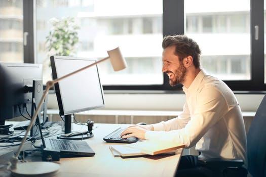 【なるべく人に会わないで独立起業】コミュニケーションが苦手な人でも稼げるビジネス?