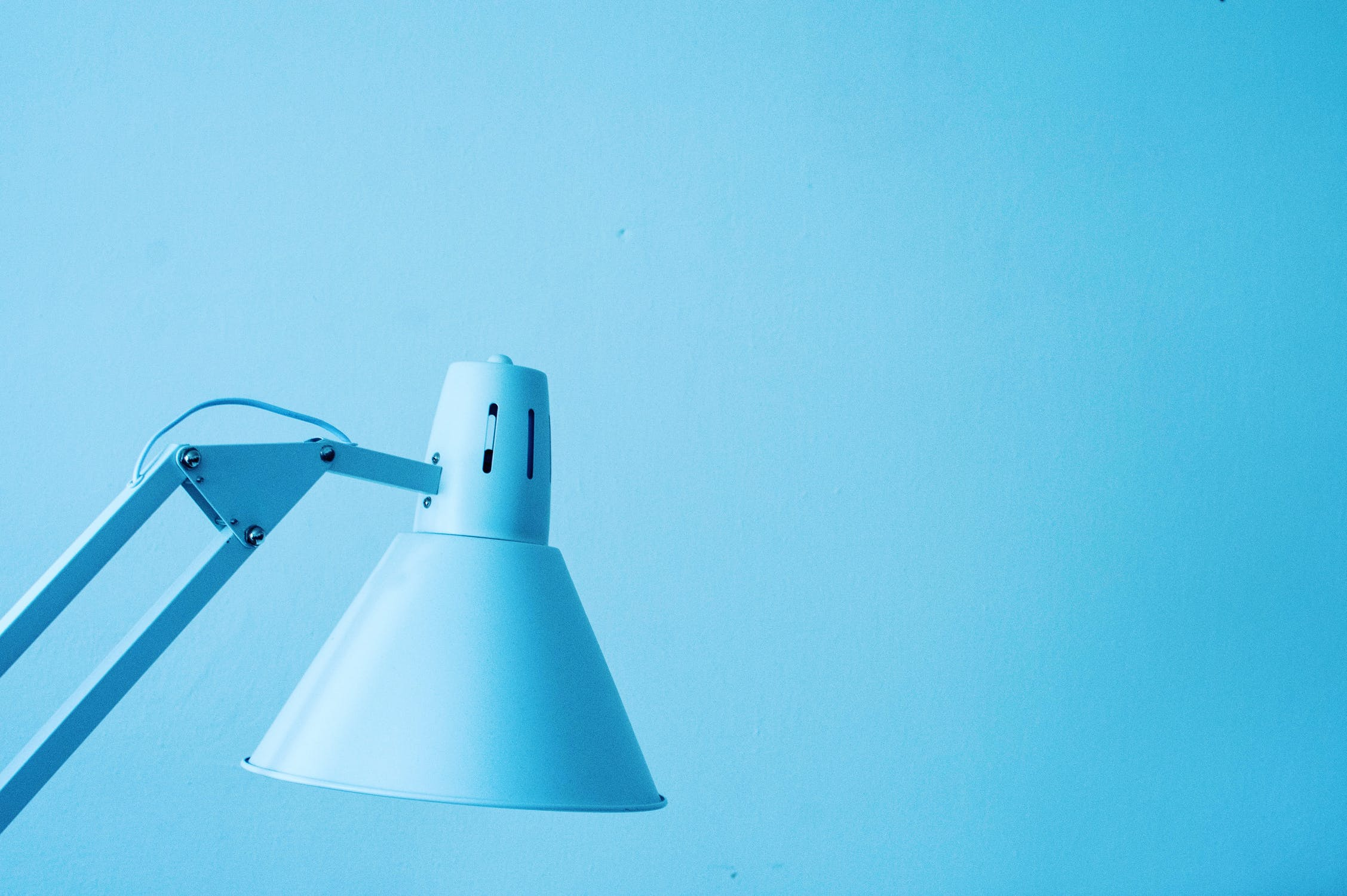 アイデアには価値がないって本当?起業初心者が必ずするべきアイデアを形にする5つの実践法
